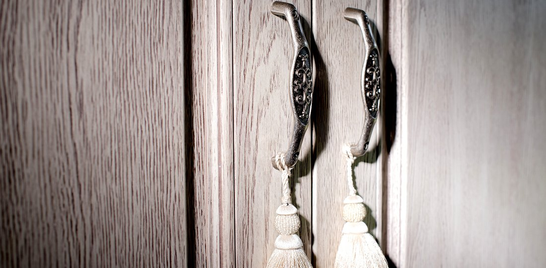 Carved doors - wooden doors – wardrobe door: handles