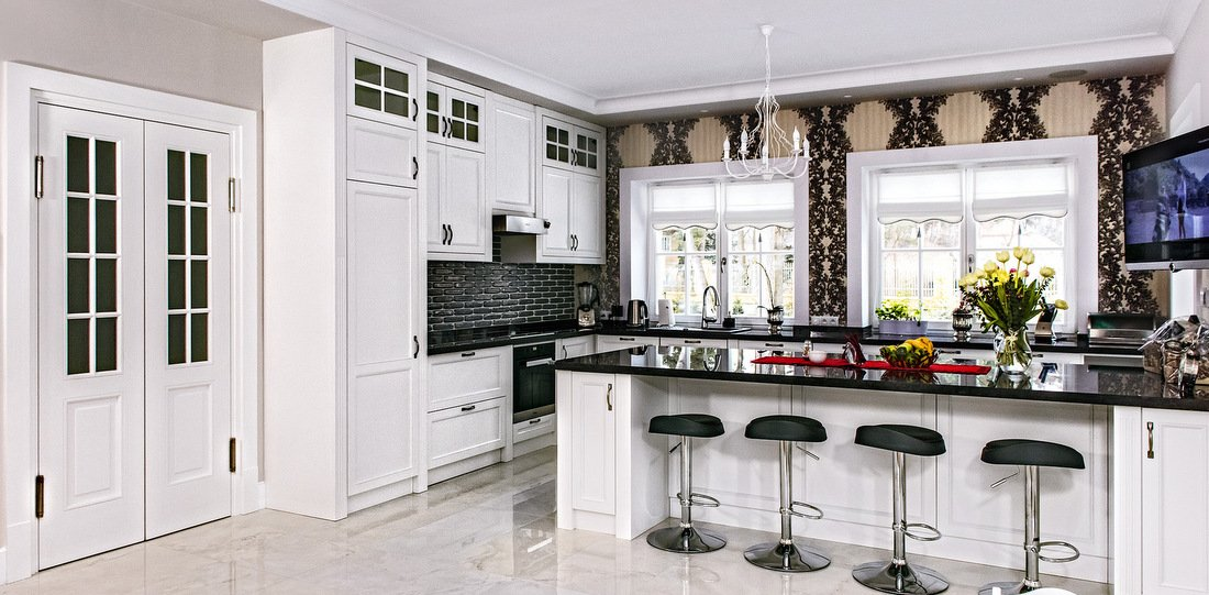 Fitted kitchen furniture – custom-made English kitchens, custom Provencal kitchens, traditional kitchen furniture