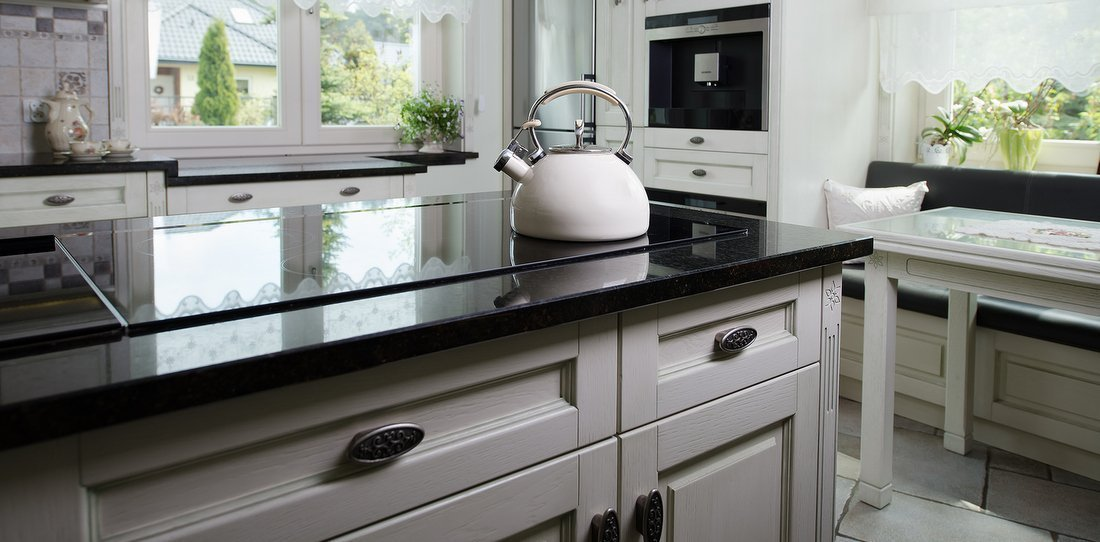 Wooden windows – always trendy fashionable stylish Provencal made to measure kitchens